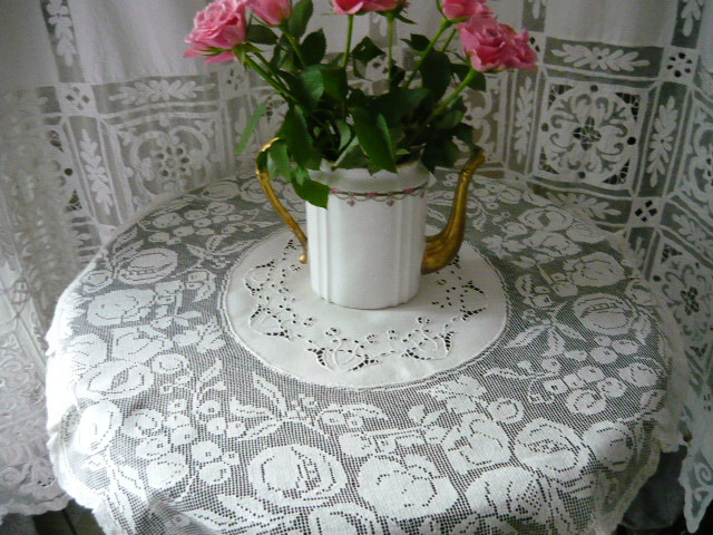 linge ancien antiquit s mercerie ancienne au souffle d 39 antan linge de maison linge de table. Black Bedroom Furniture Sets. Home Design Ideas