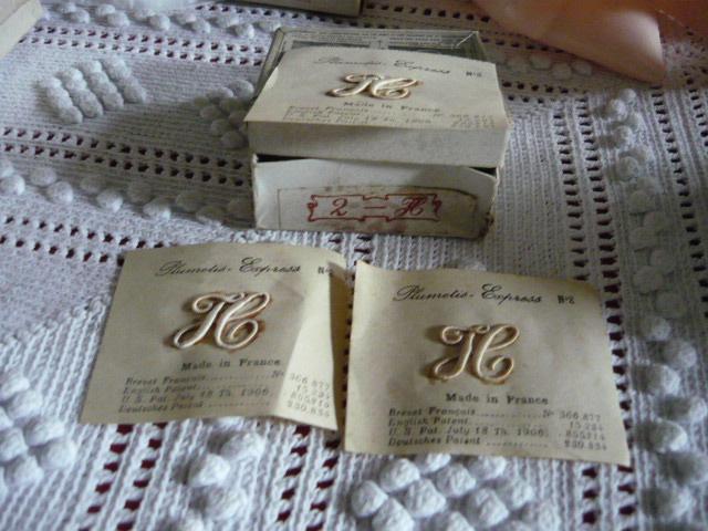 linge ancien antiquit s mercerie ancienne au souffle d 39 antan mercerie ancienne monogrammes. Black Bedroom Furniture Sets. Home Design Ideas