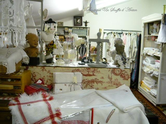 linge ancien antiquit s mercerie ancienne au souffle d 39 antan antiquit s et brocante show. Black Bedroom Furniture Sets. Home Design Ideas